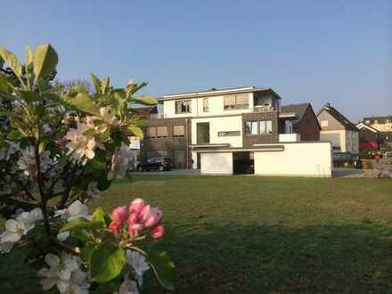 Sehr schön! Tolle und ruhige Lage, kl. Garten, exkl. u. modern, Terrasse
