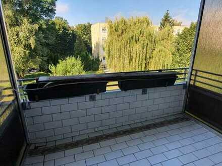 *Frisch renovierte 3-ZI.-Wohnung in Neustadt, 90m²* Mit Garage und Balkon!!!