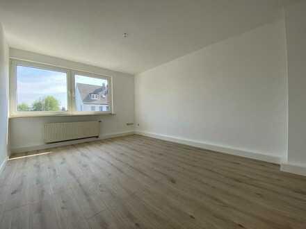 Superschöne helle FRISCH SANIERTE Wohnung * ca. 50,95 m² * 2 ZKD * WANNENBAD * moderner Grundriss