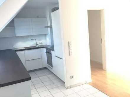 Perfekte Lage, Schwabinger DG-Maisonette mit Dachloggia, Designerküche und 2 Bädern