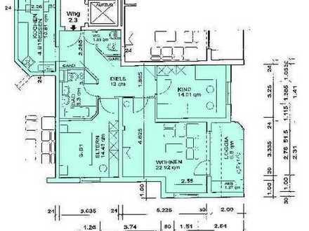 Wunderschöne 3-Zi-Wohnung mit Terrasse, EBK in Hochglanz weiß, Gäste-WC, komplett Fliesen - Aufzug!