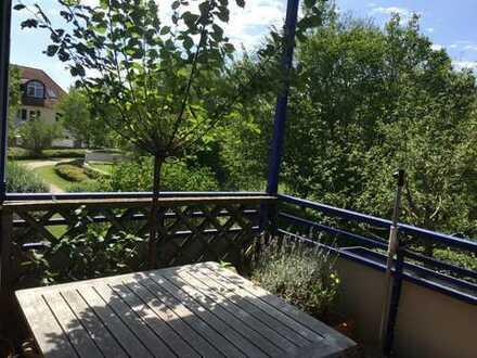 Von privat: ruhige, gepflegte 3-Zimmer-Wohnung mit großem Balkon und EBK in grüner Lage, Obermenzing