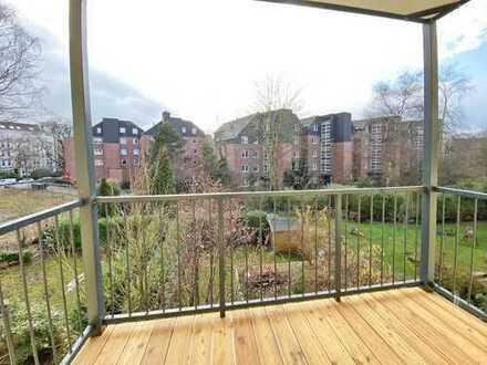 Ottensen! Schicke Altbauwohnung mit großem Balkon