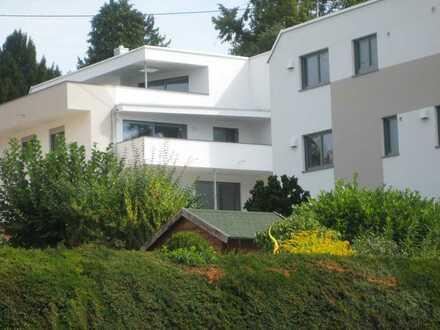 Hochwertige 4-Zi.-Wohnung in Stgt.-Uhlbach mit Süd-Balkon