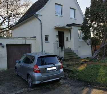 Einfamilienhaus mit Garage und Garten - 100.0 m² - 4.0 Zi.