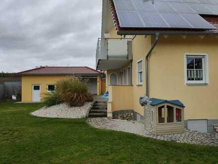 Gepflegtes 12-Zimmer-Einfamilienhaus mit Einbauküche in Wachenroth, Wachenroth