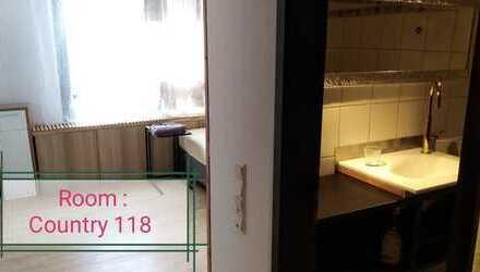 Businesszimmer in Zentrum von Reutlingen Sroom118 neu renoviert, möbliert