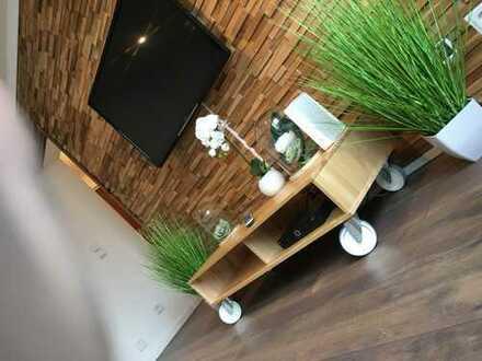 Möbliert: Neu renovierte, sehr schöne 1 Raum Wohnung/Furnished: Newly renovated, very nice 1 room ap