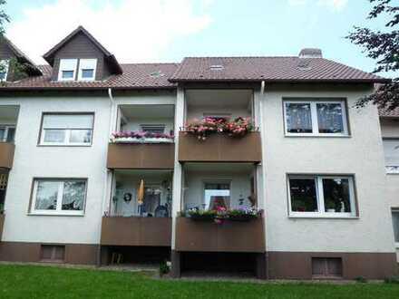 Ideales Wohnen für Senioren... Modernisierte Wohnung mit Balkon in einer ruhigen Wohnanlage 