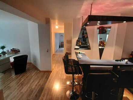 Moderne 3-Zimmer-Wohnung mit Terrasse, Bar und Gäste WC in Waghäusel-Kirrlach