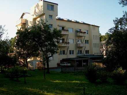 Große 2-Zi.-Wohnung mit Balkon