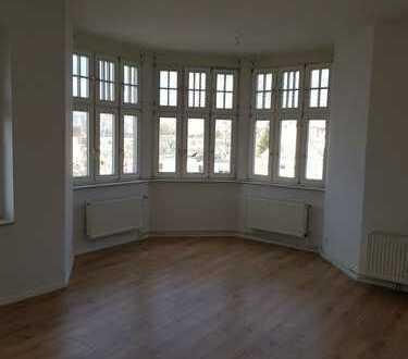 schöne renovierte Altbauwohnung - 2 Zimmer