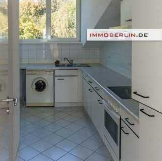IMMOBERLIN: Attraktive vermietete Wohnung mit Südbalkon
