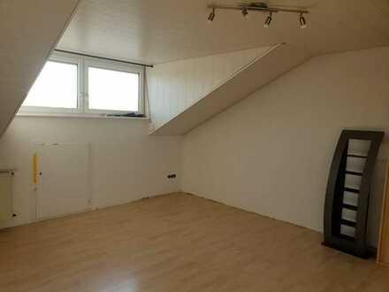 Teilmöbiliertes 21m² Zimmer in ruhiger Lage zu vermieten