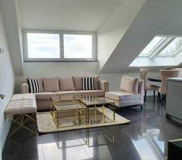 Erstbezug: schöne 3-Zimmer-Dachgeschosswohnung mit EBK und Balkon in Untermenzing, München
