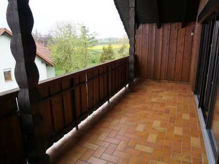Ansprechende 3-Zimmer-DG-Wohnung mit Balkon in Hemau