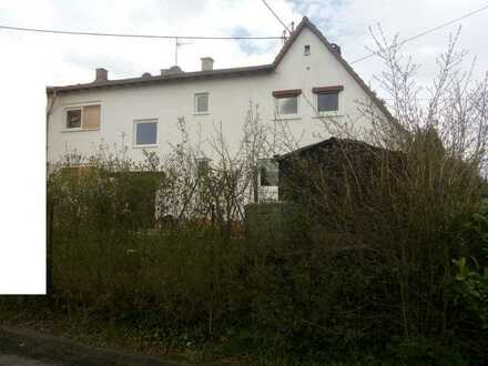 Sanierte 3-Zimmer-Doppelhaushälfte mit Einbauküche in Freudenberg