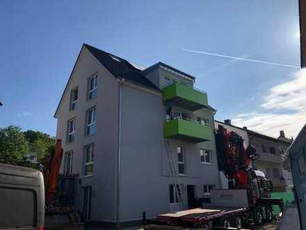 Moderne (Neubau) Drei-Zimmer Wohnung im EG mit Terrasse
