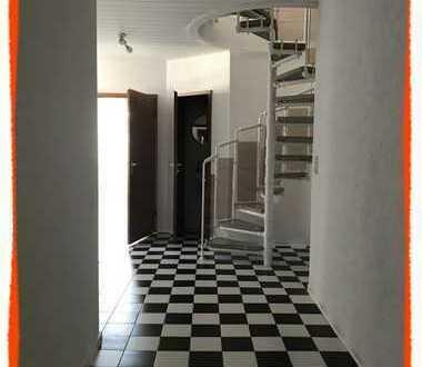 Sehr schöne Maisonetten-Wohnung vom 2.OG zum 3.OG mit großem Bad und Gast-WC zu vermieten!