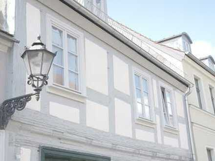 Denkmal als WG-Haus in historischer Altstadt in Nähe der Seeuferpromenade! Erstbezug!