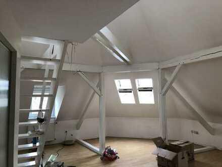 TOLLE 3Zi-DG Wohnung mit Garlerie in Dortmund Mitte