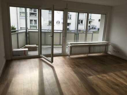 Schöne und helle Wohnung mit großem Balkon in Mainz-Ebersheim - Erstbezug nach Sanierung