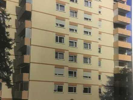 Erstbezug nach Sanierung mit Balkon: schöne 3,5-Zimmer-Wohnung in Mannheim