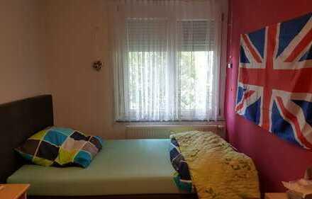 Stilvolle, neuwertige 4-Zimmer-Wohnung mit EBK in Leinfelden-Echterdingen