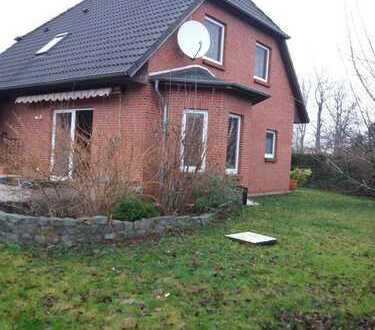 Gemütlich modernes Haus in kleiner Wohnsiedlung zu verkaufen
