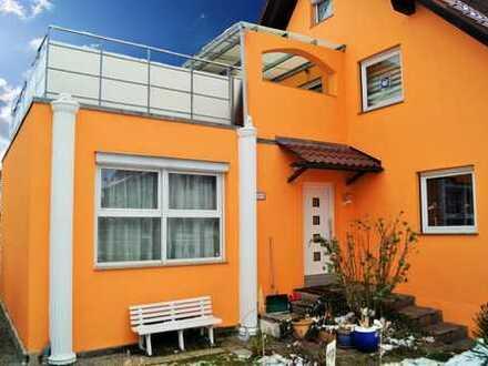 Volltreffer - DHH in Ditzingen mit eigenem Garten, Sonnenterrasse und Einliegerwohnung