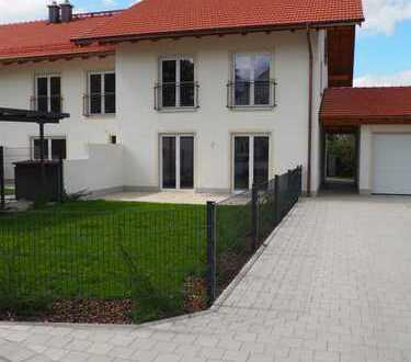 Eckhaus eines 3-Spänners in Garching a. d. Alz - Neubau - Erstbezug