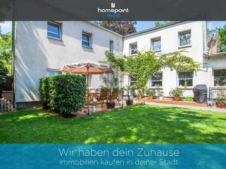 Für Lückenschliesser - Grundstück mit Zweifamilienhaus und Baumöglichkeit für Mehrfamilienhaus