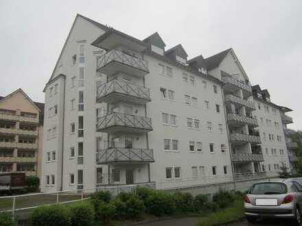 ZWANGSVERSTEIGERUNG - Großzügige moderne 3-Zimmer-Wohnung mit Balkon in Bernsdorf