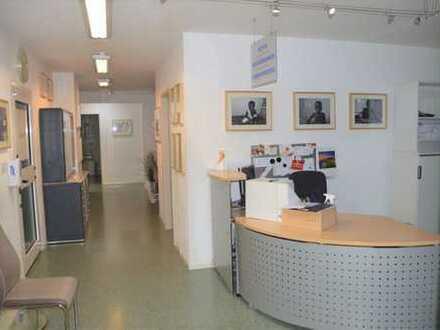Gepflegte Praxis-/Büroetage in zentraler Lage von Mannheim-Käfertal