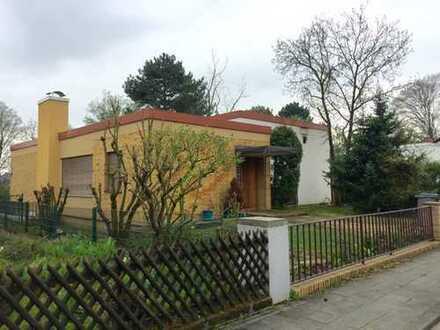 RARITÄT im BAUHAUS STIL! 5 Zimmer, Garage und Garten in ruhiger Feldrandlage in Lu-Gartenstadt!