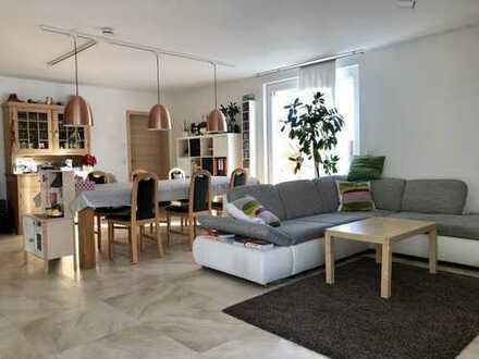 RESERVIERT - Von privat: Großzügiges Wohnen auf drei Ebenen nur 1,5 km vom Herrenberger Zentrum!