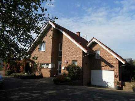 Charmantes Einfamilienhaus  mit Garage