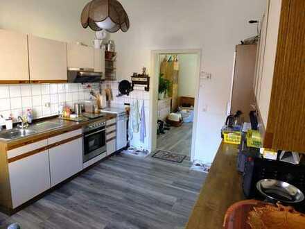 Ruhige EG-Wohnung mit 2,5 ZKB und schönem Süd-Balkon in Godramstein