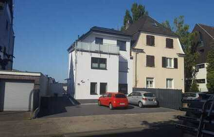 Neubau Maisonette Wohnung mit Garten und 2 Stellplätzen mit Domblick