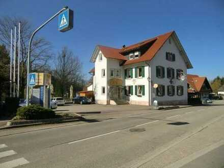 Großes, gepflegtes Wohn-/ Geschäftshaus (voll vermietet) mit 1.924 m² Grundstück + Neubau-Option