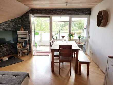Gärtringen - 4 Zi.-ETW im Dachgeschoss mit unverbaubarem Blick ins Grüne