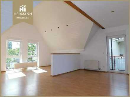 Helle großzügige 3 Zi.-Wohnung mit Balkon im DG in Bruchköbel