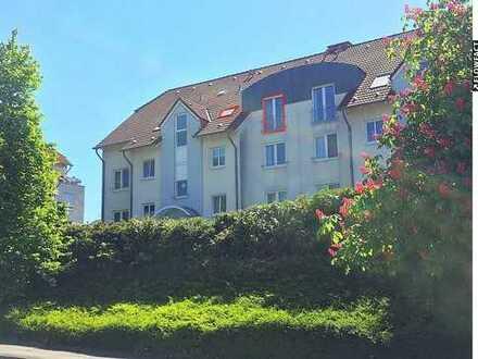 ***PROVISIONSFREI*** Großzügige 2-Zimmer Dachgeschosswohnung mit Süd-Balkon und Stellplatz!