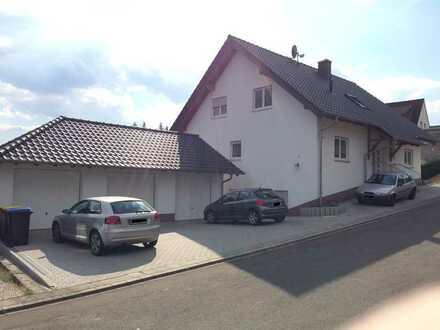 Neuwertige Wohnung mit zwei Zimmern und Terrasse in Nußbaum