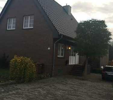 Zwei- bis Dreifamilienhaus in Ellerbek ruhige u. sonnige Lage zu verkaufen