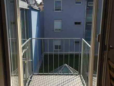 2 Zimmer-Stadtwohnung mit Tiefgarage und Balkon