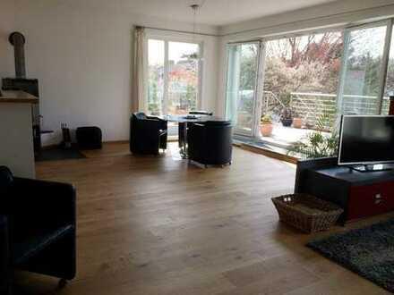 Sürth - Großzügige Wohnung mit Sonnenterrasse
