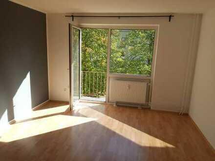 Freundliche 3-Zimmer-Wohnung mit Balkon und EBK in Frankenthal (Pfalz)