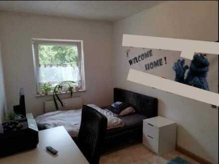 11qm Zimmer in netter 3er-WG