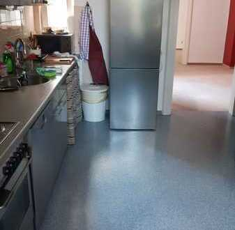 PhD wanted - 2 rooms free in the city center !